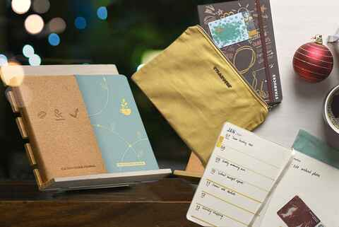Starbucks 2019 Planner & CBTL's 2019 Giving Journal: Which One Should You Get?